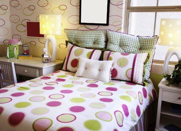 Обои для маленькой спальни дизайн фото