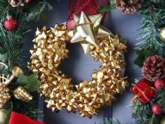 Как сделать новогодний венок своими руками: полезные мастер-классы для оформления комнаты к празднику