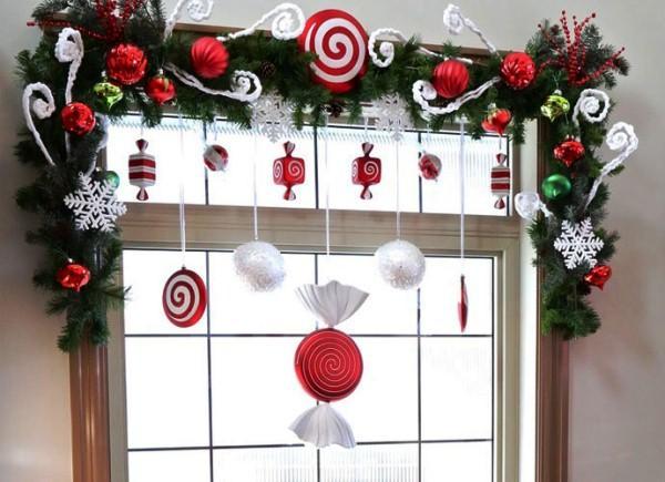 Украшение окна к Новому году, фото