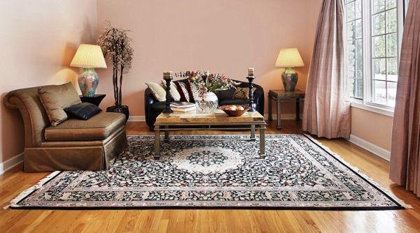 ковры в интерьере гостиной фото 7