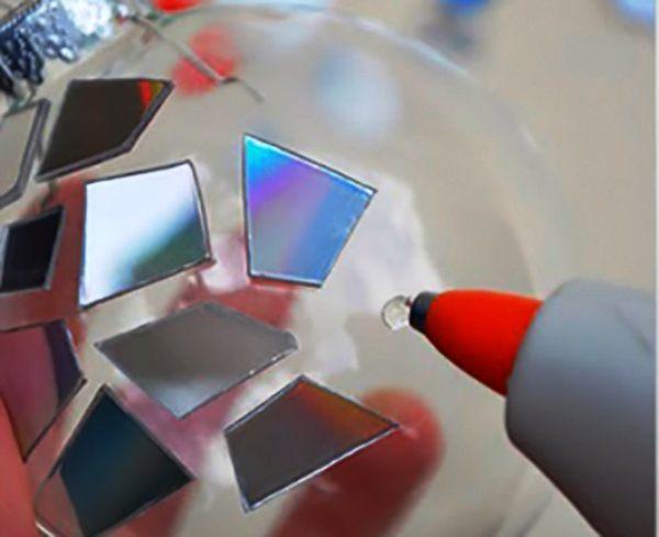 как сделать украшение из дисков