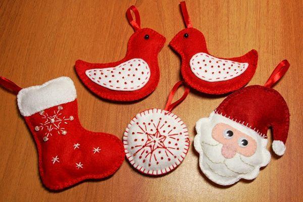новогодние миниатюрные украшения из фетра