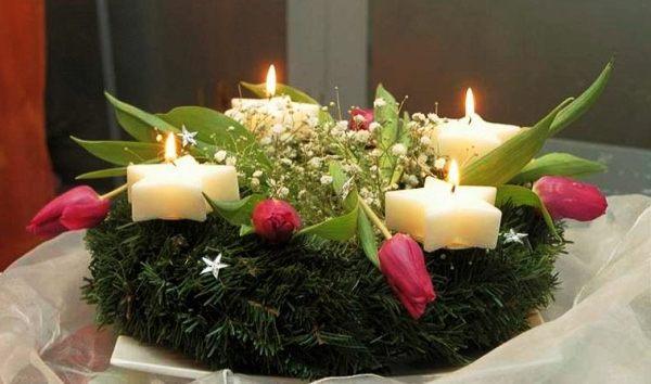 праздничная новогодняя композиция  со свечами