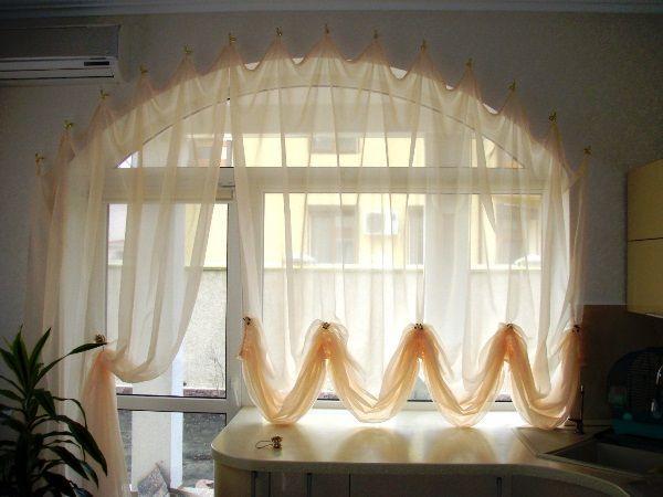 шторы на кухне в интерьере фото 17