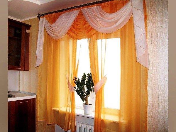 шторы на кухне в интерьере фото 9